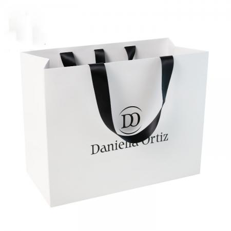 shopping gift bags Customized for logo Recycled white paper bag with handle