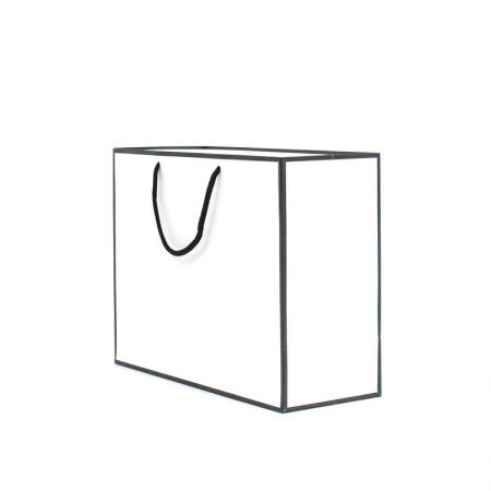 Luxury boutique packaging white paper gift bag  customized
