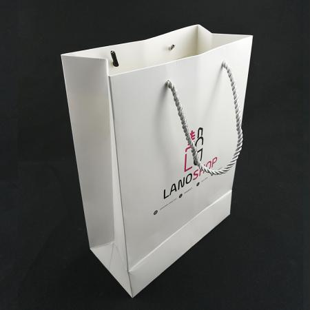Custom White A4 Size Free Sample Paper Gift Bag