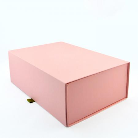 Custom pink mailer box flat folding gift box with ribbon